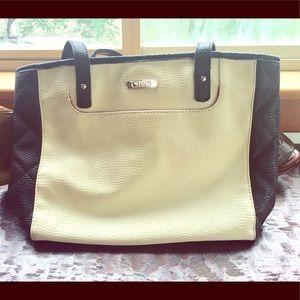 Chaps Handbag black and white adorable